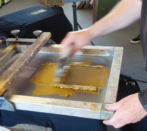 Screen printing T shirts with metallic inks