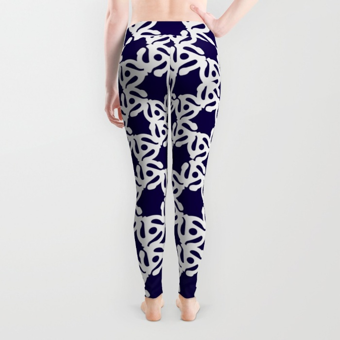 45-rpm-adaptor-whiteblue-leggings (1)