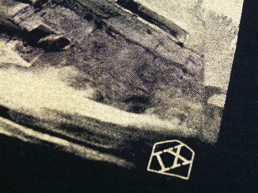 IX-Tshirts Walker Down detail
