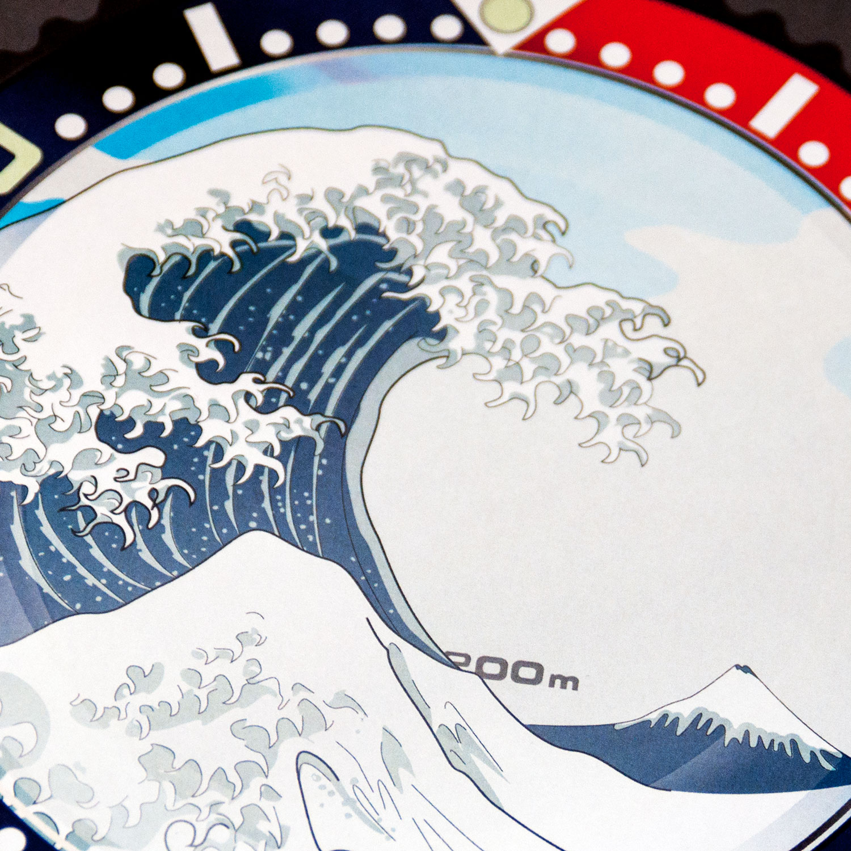 Seiko SKX Pepsi meets The Great Wave off Kanagawa art pint detail