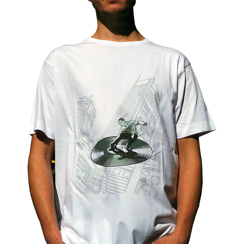 uchi's Supafresh Retuns Mens white T shirt